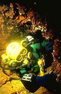 grotte de la mescla plongée souterraine Francis Le Guen decobrain