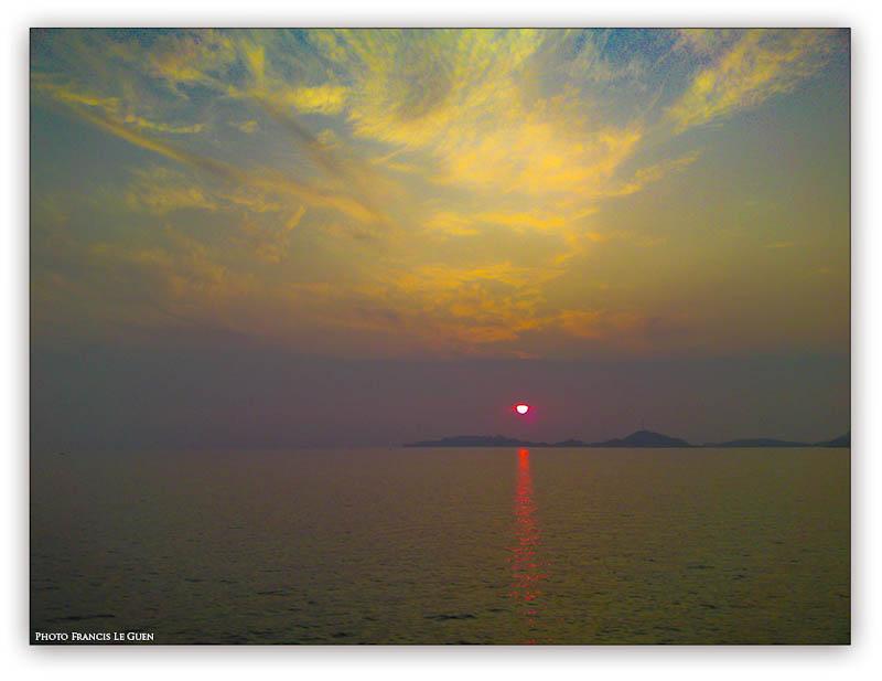 Coucher de soleil sur les îles du Frioul Marseille