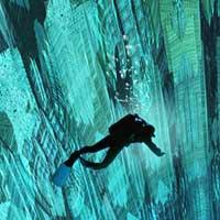 Plongées dans les puits sans fond…